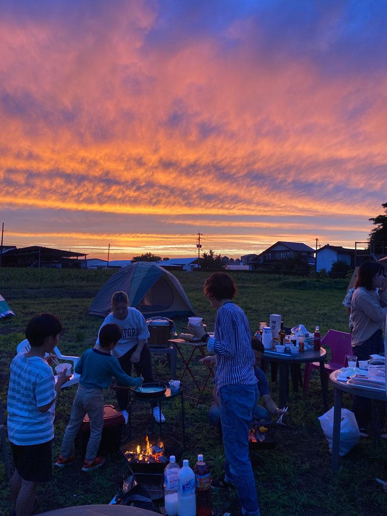 キャンプ場から見た夕日2